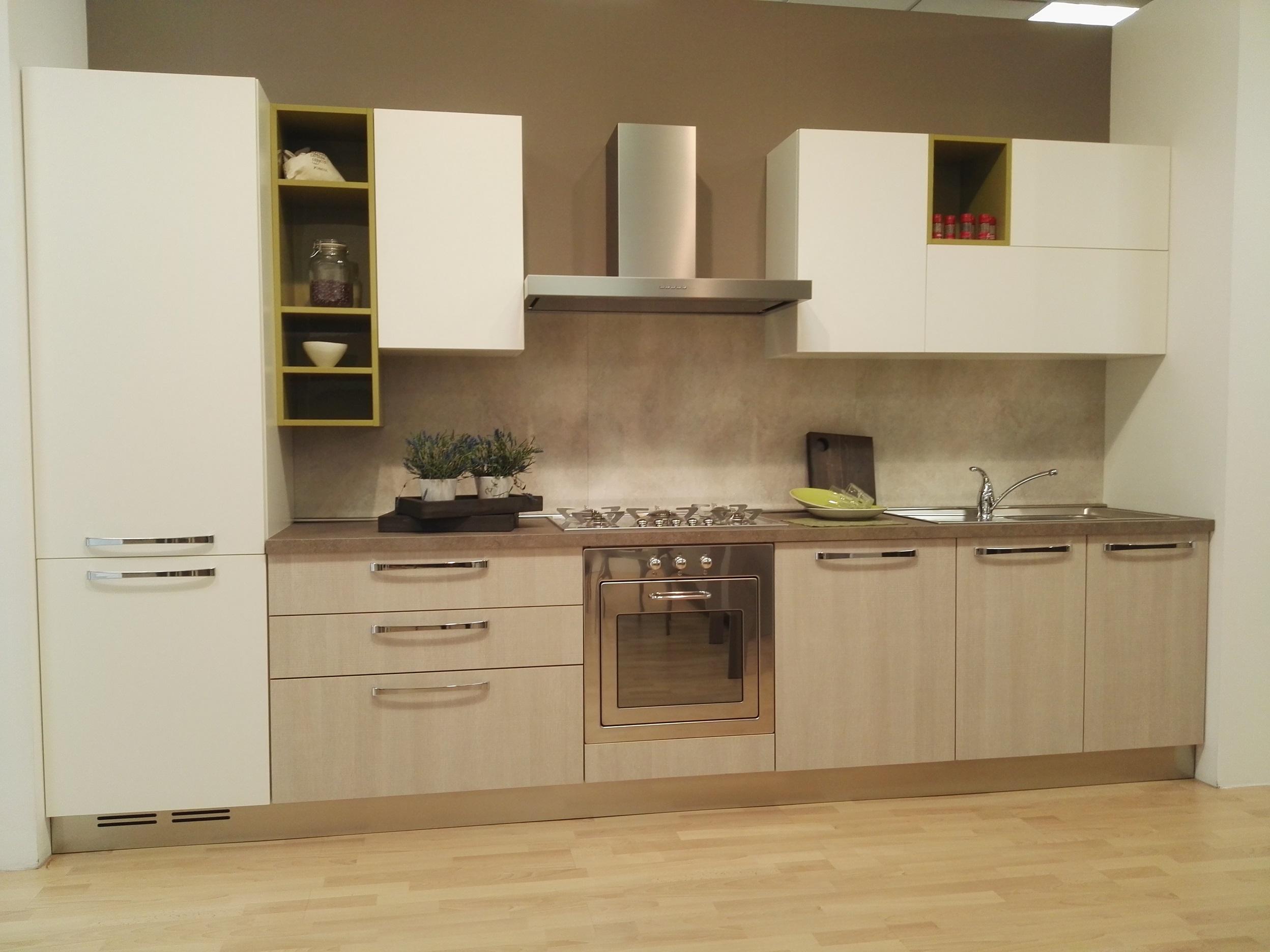 Cucina in Rovere Bianco in Offerta a Modena e Reggio Emilia